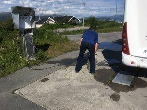 2017-07-09 10.59.51 Tömning på bensinmack..jpg