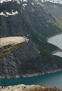 Trolltunga,Norge.jpg